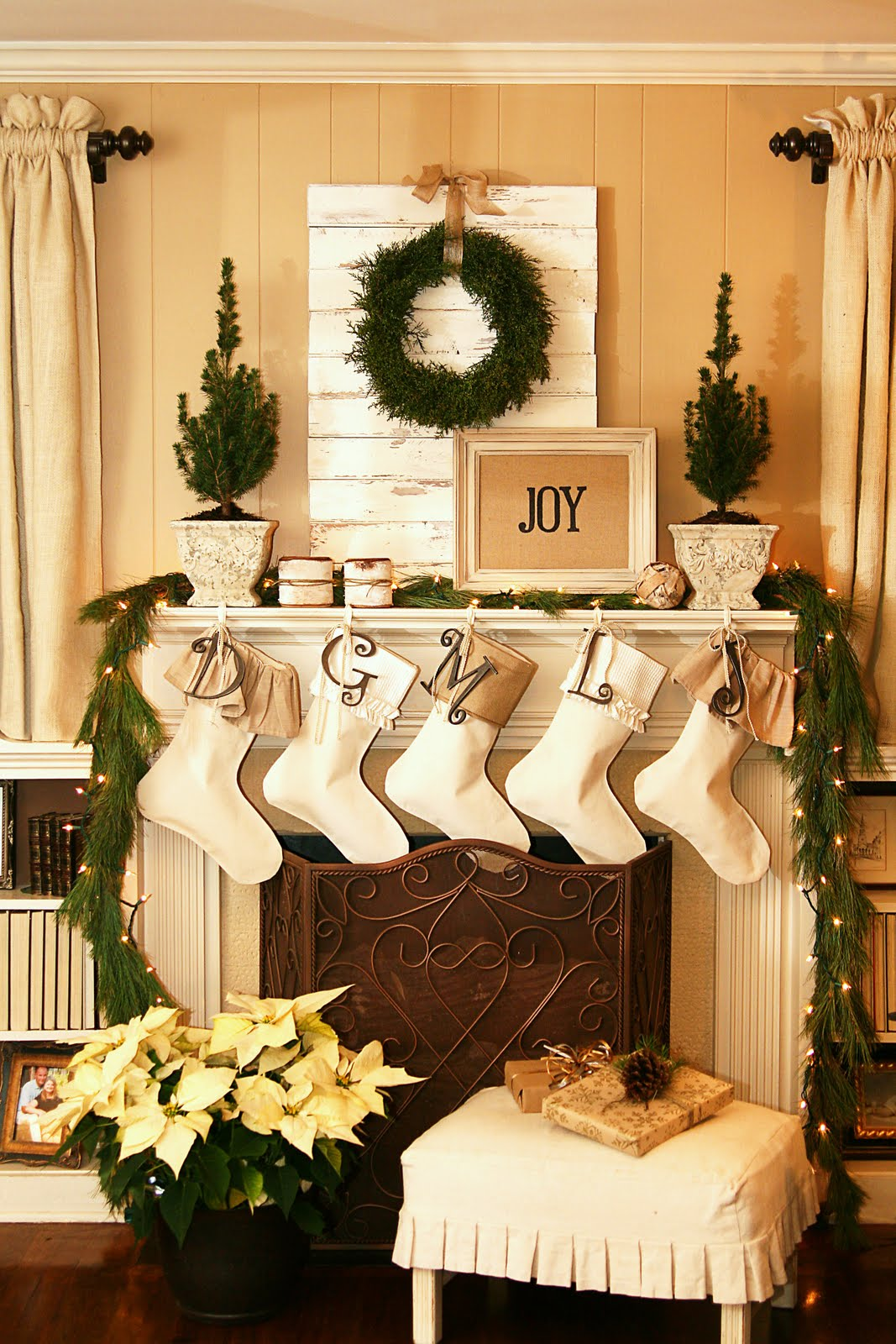 Christmas Mantel Decoration 15