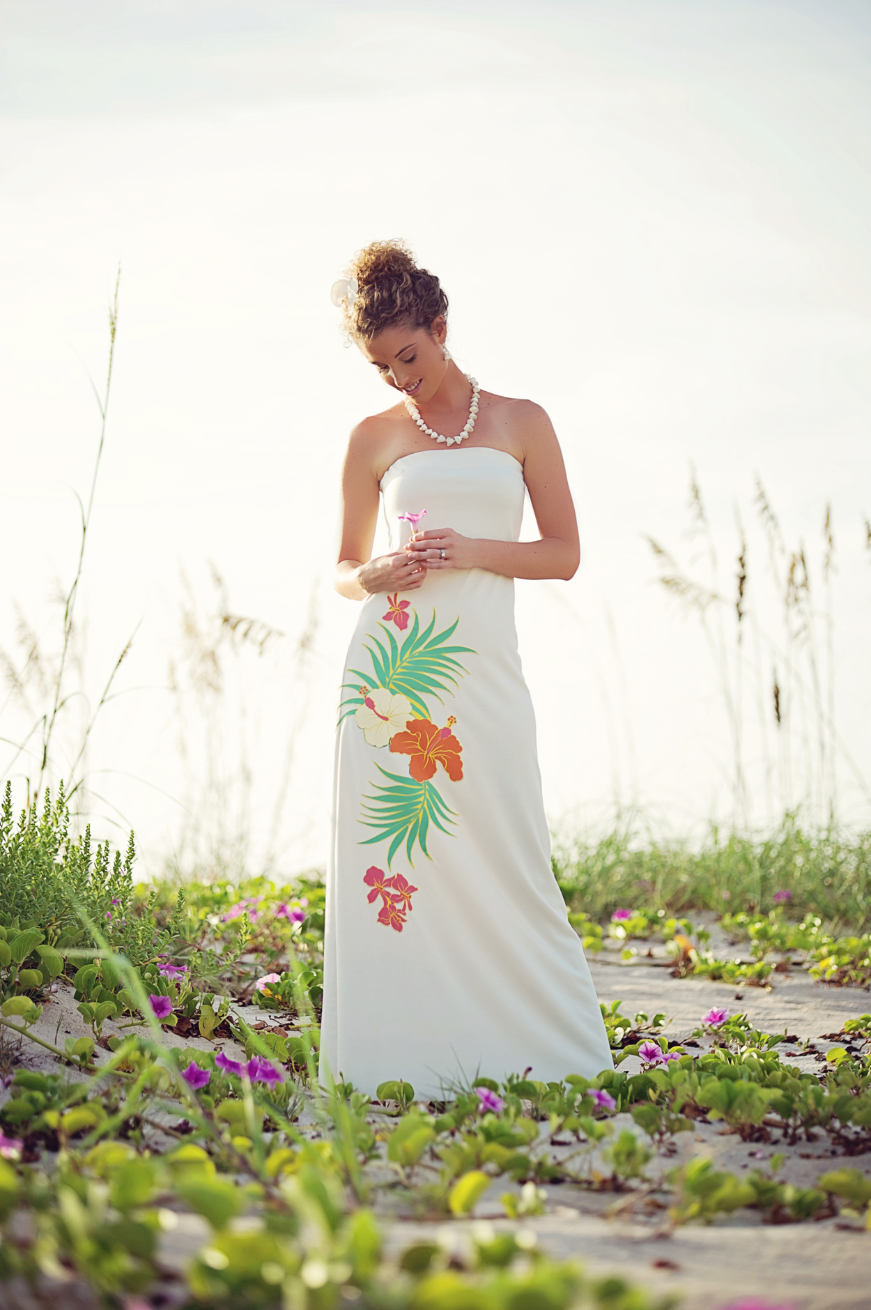 20 unique beach wedding dresses for a romantic beach for Wedding dresses for hawaii