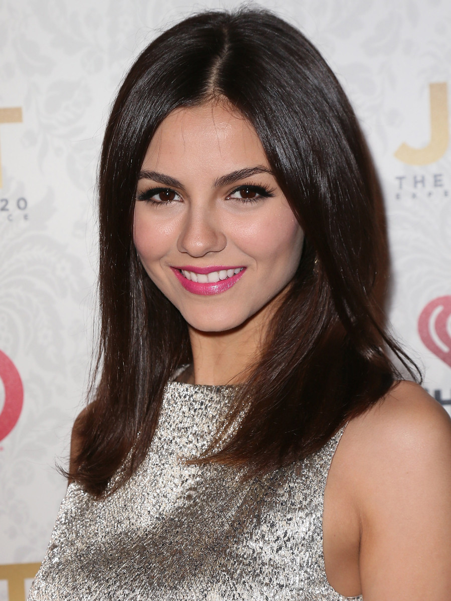 Shoulder-Length Hairstyles for Straight Brown Hair