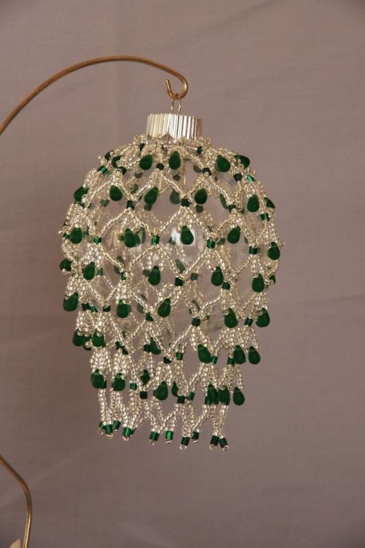 awesome-beaded-christmas-ornaments