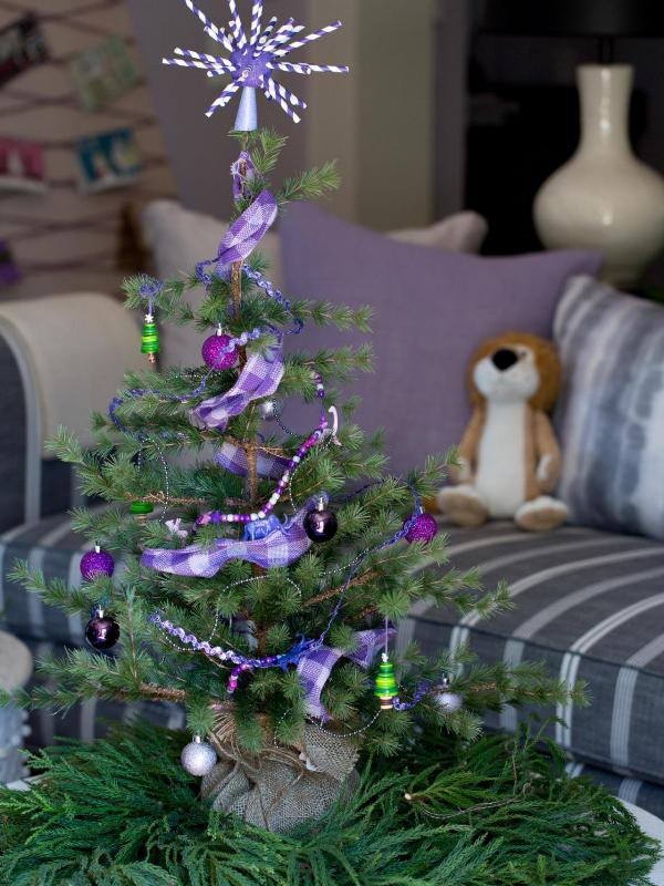 awesome-christmas-tree-decorations-for-kids