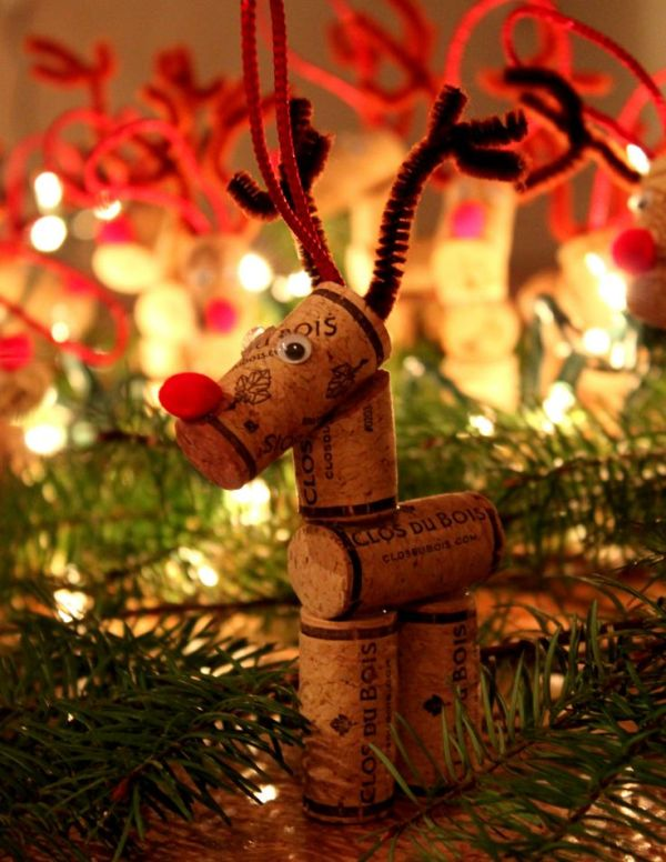beautiful-wine-cork-reindeer-ornament