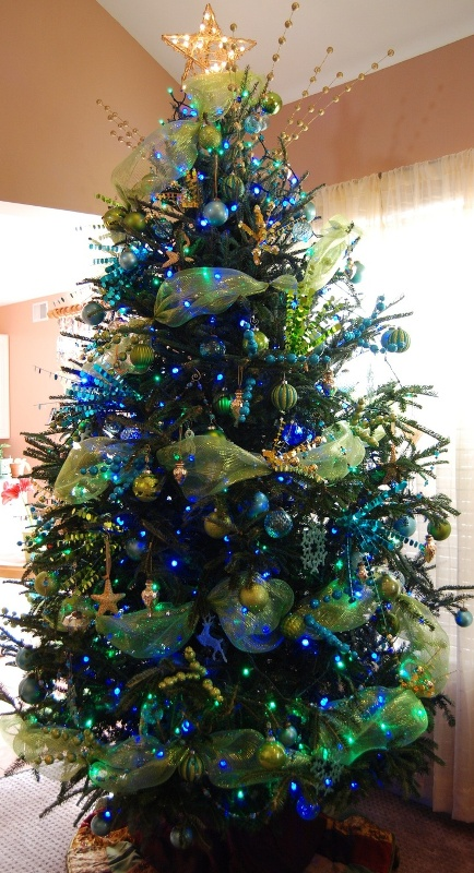 blue-and-green-christmas-tree
