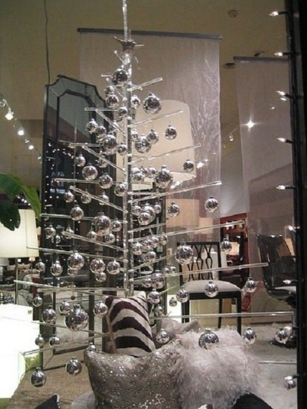 exciting-silver-and-white-christmas-tree-decorations