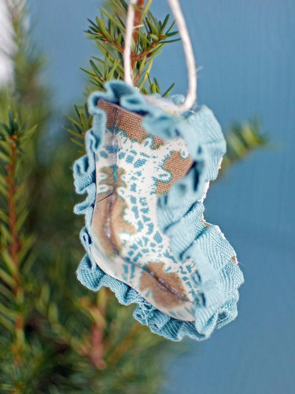 cookie-cutter-christmas-ornaments
