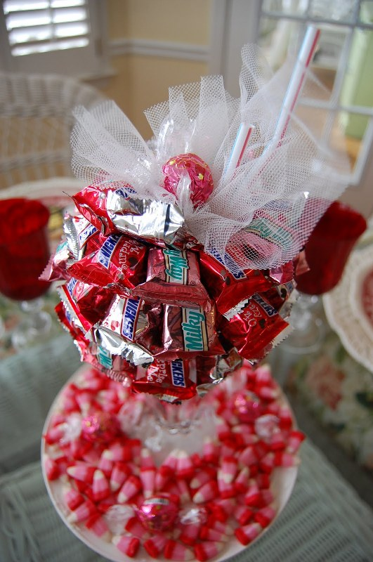 valentine-centerpieces-ideas-with-candy