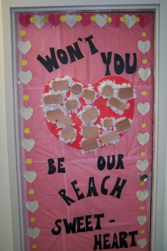 valentines-day-door-decorations