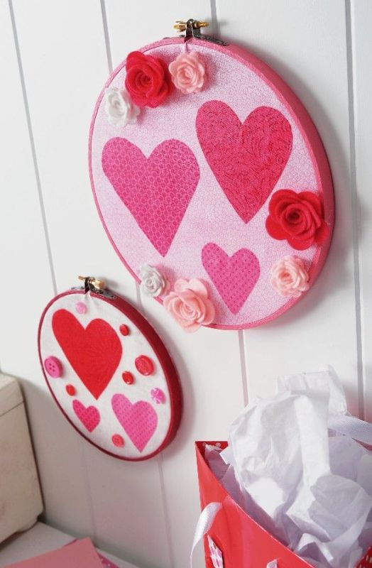 valentines-day-wall-decor