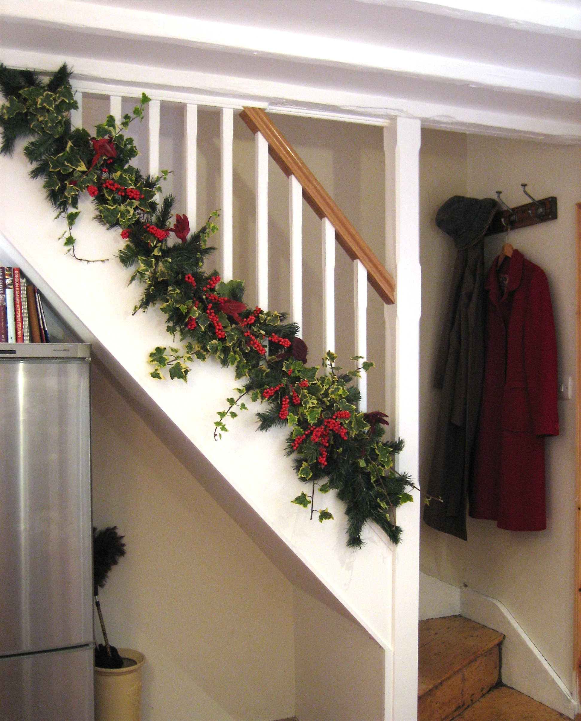 Christmas Staircase Decoration 14