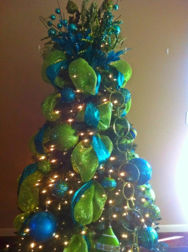 blue-and-green-christmas-tree-2016