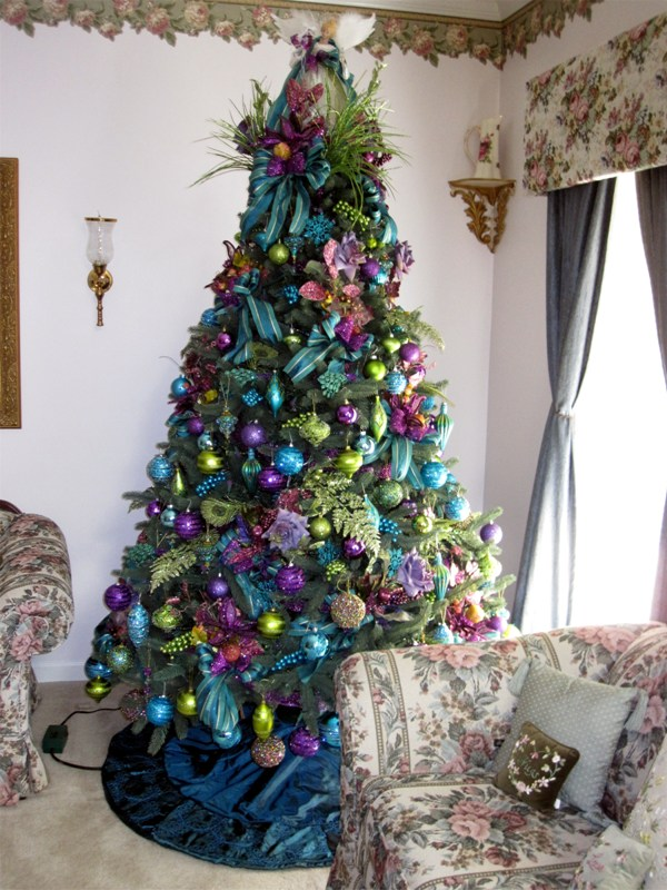 cool-peacock-christmas-tree
